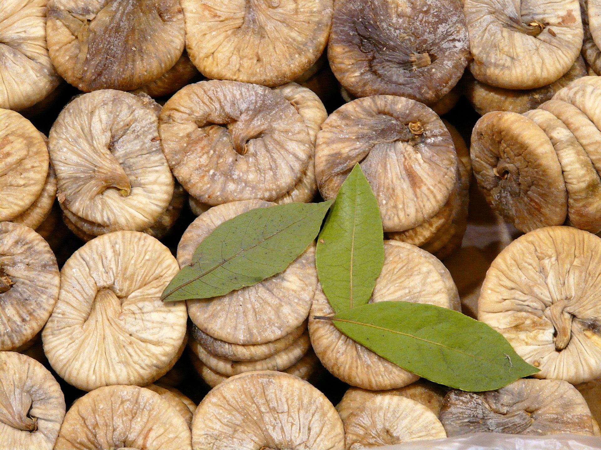 Fig fruit (Anjeeri) | Health benefits of Fig | Recipes of Fig fruit